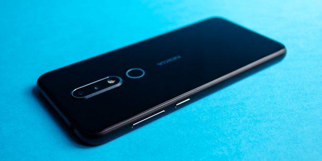 Обзор Nokia 6.1 Plus: Кнопки