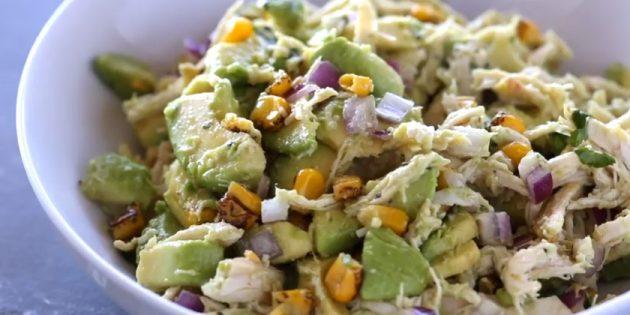 Рецепты: Салат с авокадо, курицей и кукурузой