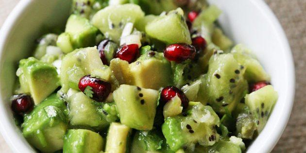 Рецепты: Салат с авокадо, киви, гранатом и острым перцем