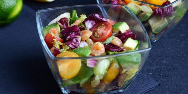Рецепты: Салат с авокадо, креветками и помидорами