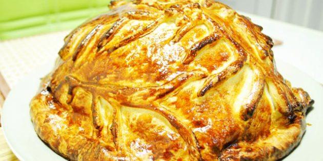 Классический курник из дрожжевого теста с блинами, рисом и грибами