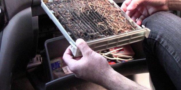 Почему плохо греет печка в машине: засор фильтра салона и воздуховода