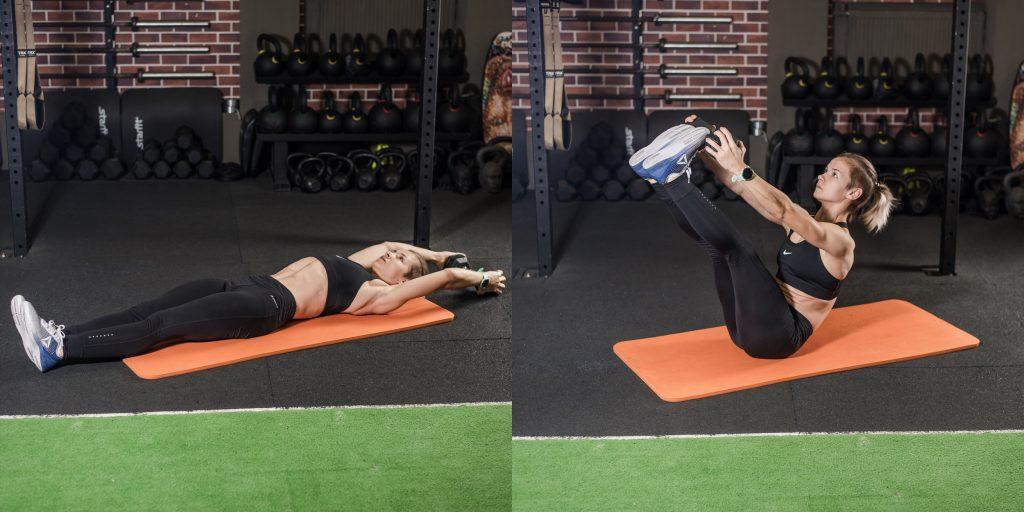 Упражнения с гантелями: V-складка с гантелью