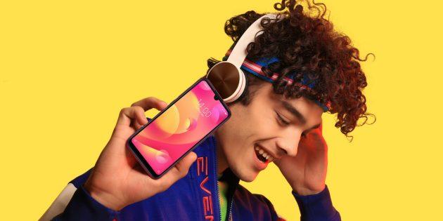 Xiaomi Mi Play: яркий дизайн
