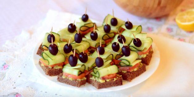 Рецепты канапе с красной рыбой, авокадо и огурцом