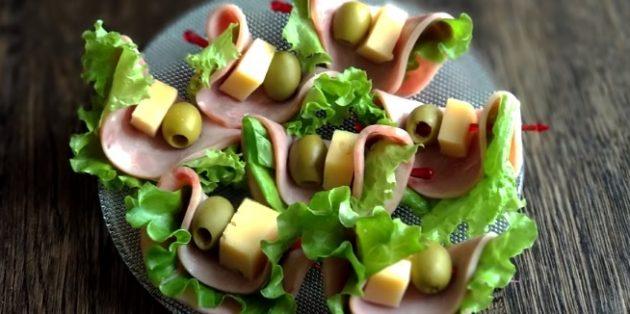 Рецепты канапе с ветчиной, сыром и оливками