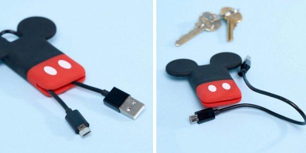 100 новогодних подарков: Брелок с USB-кабелем
