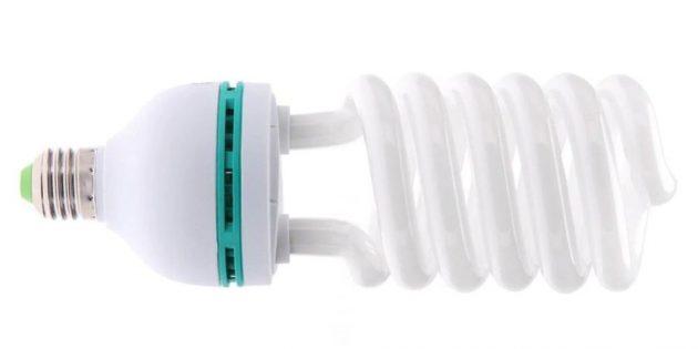 10бюджетных гаджетов, которые пригодятся каждому: лампочка с белым холодным светом