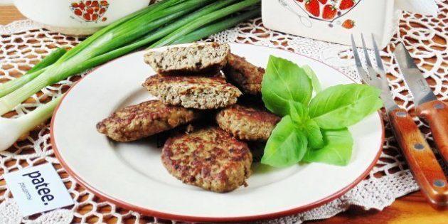 Котлеты из говяжьей печени с картошкой и грибами