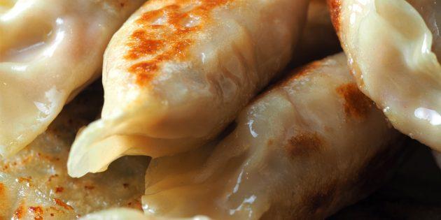 Ужин на скорую руку: жаркое с пельменями