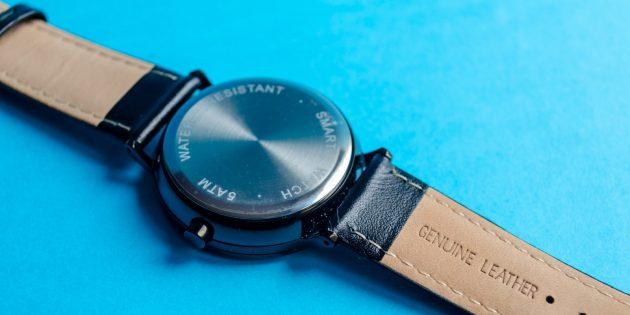 Lenovo Watch S: задняя крышка выполнена из нержавеющей стали