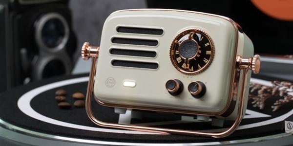 Xiaomi представила винтажную аудиоколонку Elvis Presley Atomic Player 2