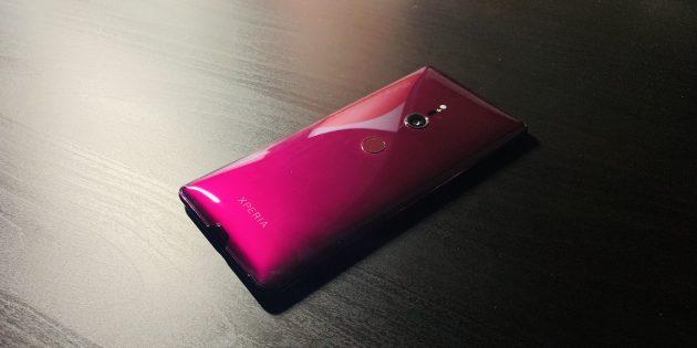 Sony Xperia XZ3: Общий вид сзади