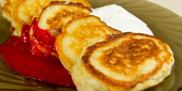 Как приготовить оладьи с яблоком: рецепты
