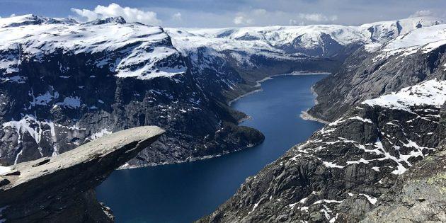 Куда поехать в Европе: Скала Троллтунга, Норвегия