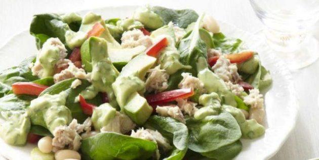 Салат со шпинатом, тунцом и фасолью