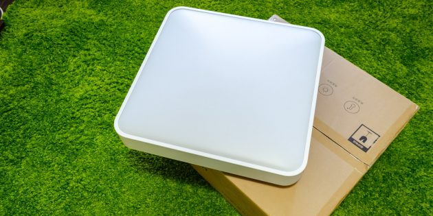 Yeelight Smart Square LED Ceiling Light: Комплектация и внешний вид