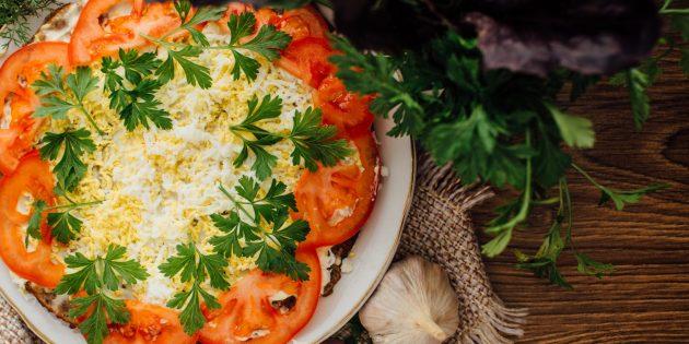 Рецепты: Печёночный торт с омлетом и помидорами