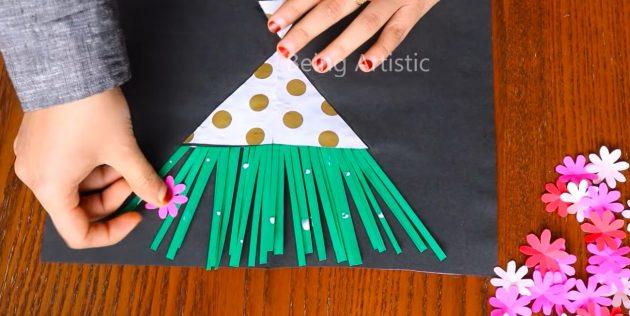 Как сделать открытки на 8 Марта своими руками: приклейте стебли и вырежьте цветы