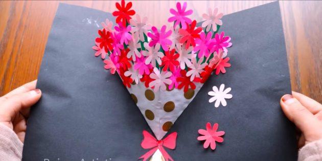 Как сделать открытки на 8 Марта своими руками: приклейте цветы и бант