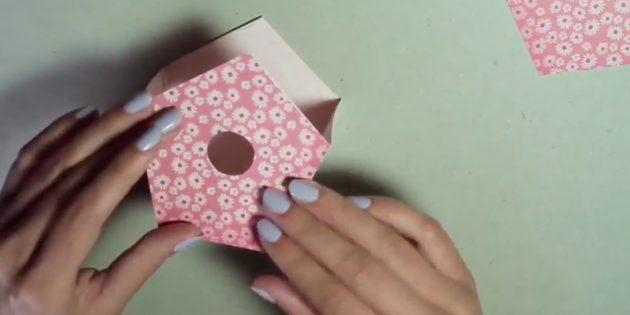 Как сделать скворечник из картона своими руками: Сделайте сгибы по намеченным линиям и соедините детали скворечника с помощью клея