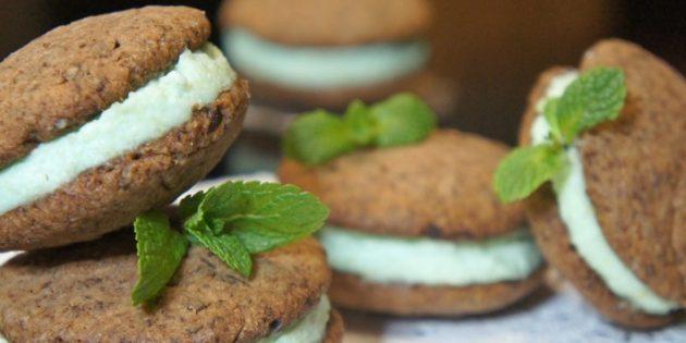Шоколадно-мятное печенье со сливочным кремом