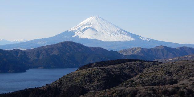 Территория Азии не зря привлекает туристов: гора Фудзияма, Япония