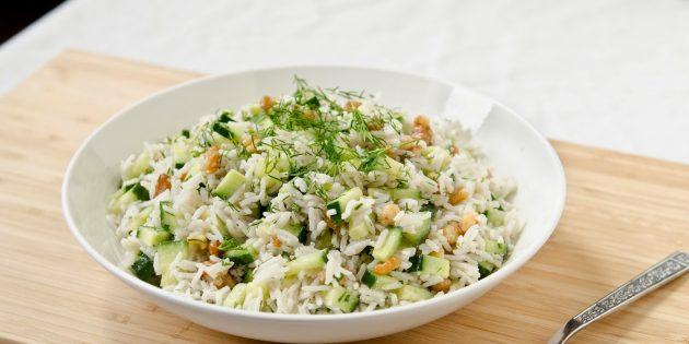 Салат из риса и рыбы с огурцом — pic 7