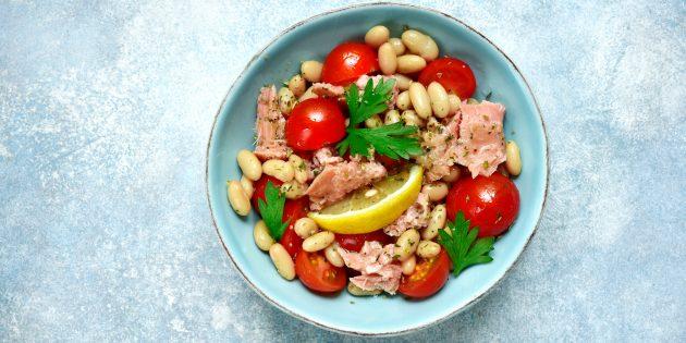 Салат с тунцом, фасолью и помидорами: простой рецепт