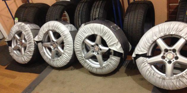 Хранение шин: Поместите шины в чехлы