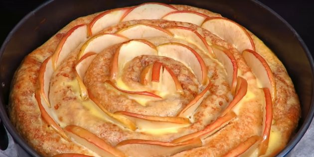 Рецепты: Блинный торт с творожно-яблочной начинкой: простой рецепт