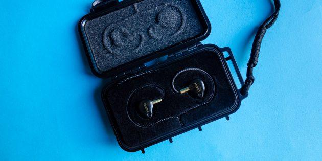Аудиофильские наушники Oriolus Finschi: пластиковый бокс