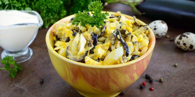 Салат с яйцами и баклажанами