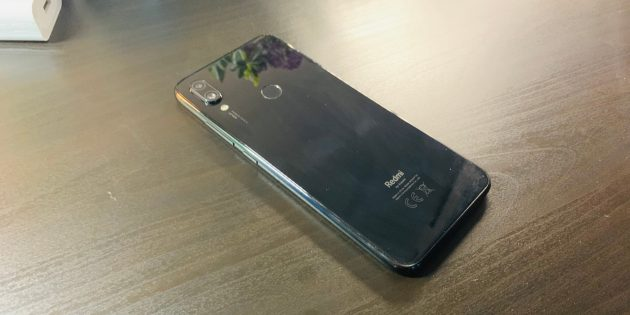 Redmi Note 7: общий вид сзади