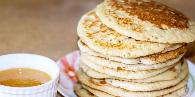 Толстые блины на дрожжах и манке без яиц — рецепты