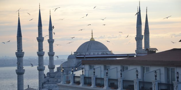 куда поехать на майские праздники: стамбул