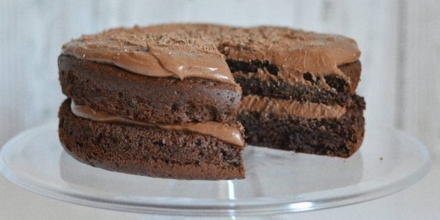 Шоколадно-кофейный постный торт с черносливом
