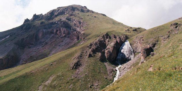 Отдых в Приэльбрусье: водопад Девичьи косы и обсерватория на пике Терскол