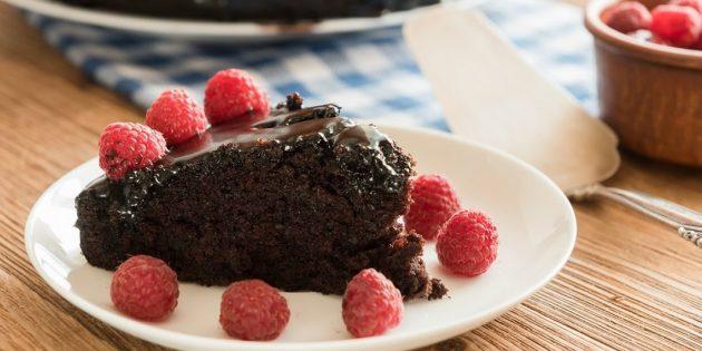 Постный влажный шоколадный пирог