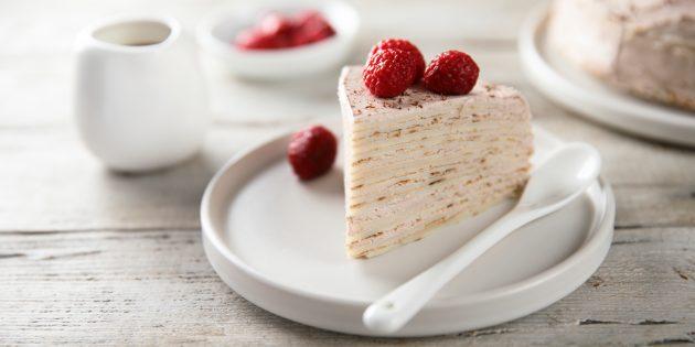 Блинный торт со сливочным сыром и малиной: простой рецепт