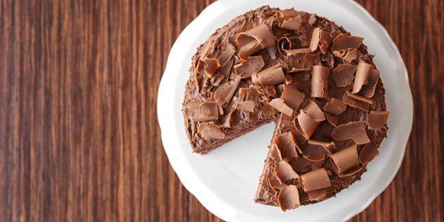 Блинный торт с джемом и кофейно-сливочным желе: простой рецепт