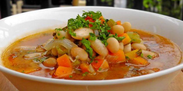 Постный овощной суп с фасолью