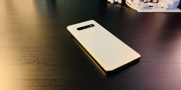 Обзор Samsung Galaxy S10+