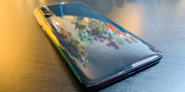 Обзор Xiaomi Mi 9: задняя панель