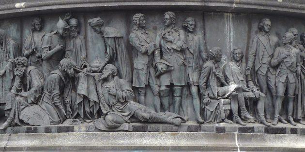 Куда поехать на майские: Памятник Тысячелетие России