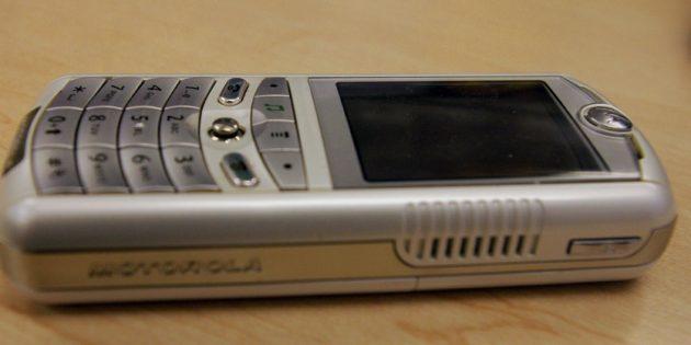Телефон ROKR E1