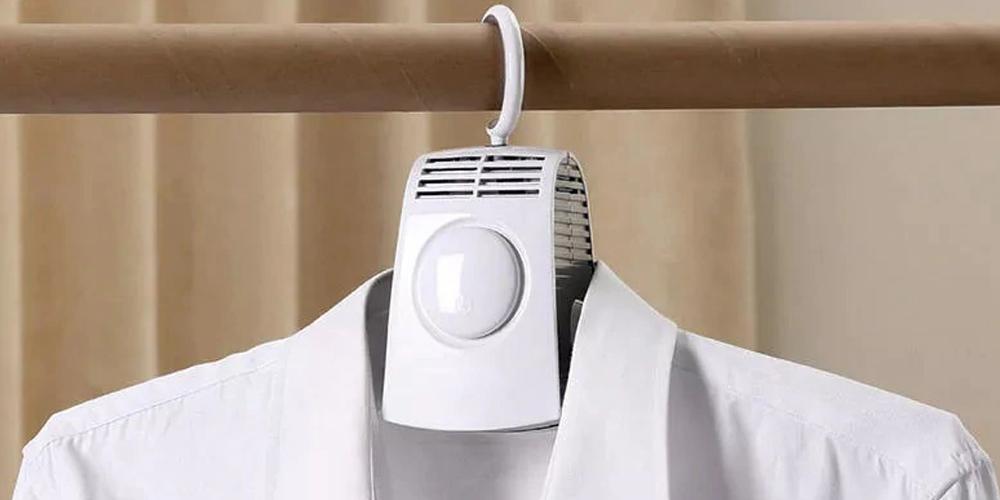 Xiaomi выпустила плечики, которыми можно высушить одежду
