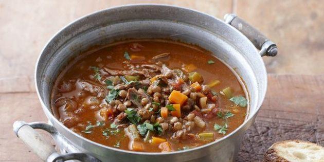 Суп с сельдереем, бараниной и чечевицей