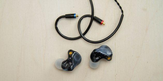 FiiO FA1: соединение плотное, и снять наушник не так легко