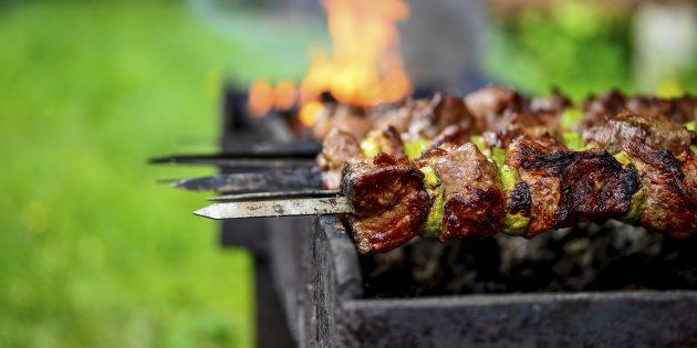 Как готовить шашлык из говядины: маринад на кефире